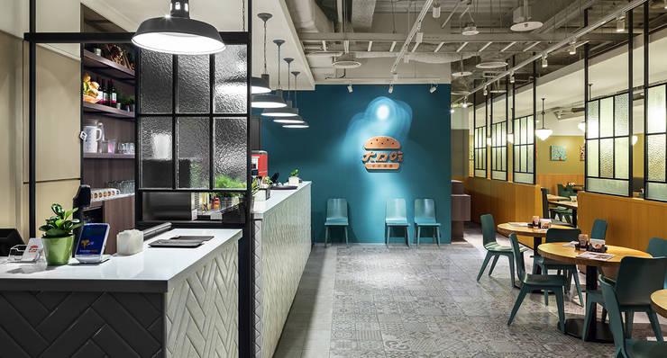 DACOZ大口吃手創漢堡:  餐廳 by 伊歐室內裝修設計有限公司