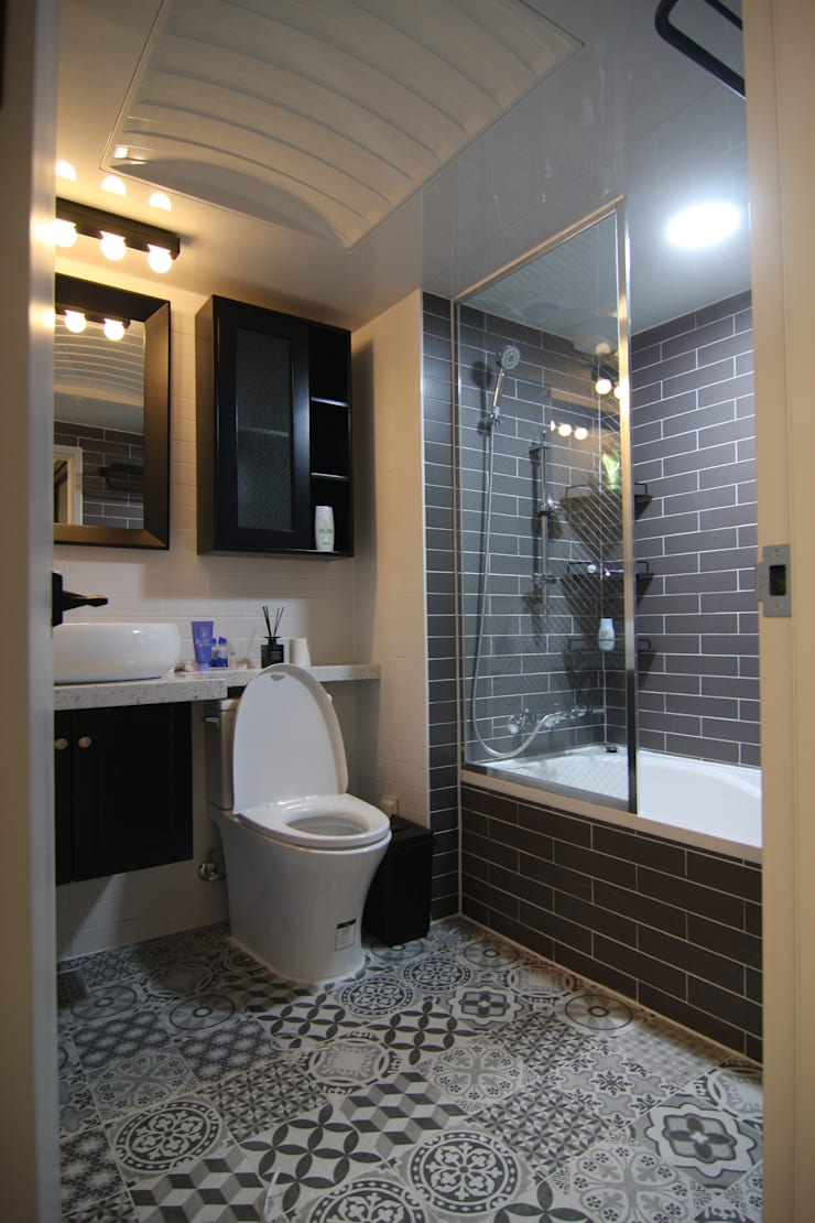 욕실인테리어: 아이엘아이 디자인 아틀리에의  욕실