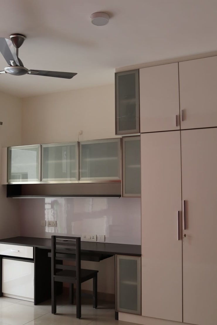 Residential Projects in Chennai:  Kitchen by 72° N Design Studio Private Limited