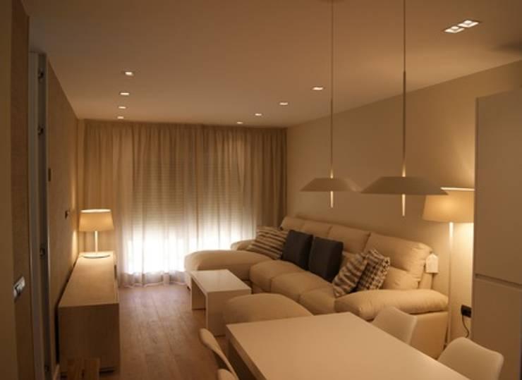 Salas de estar  por Qum estudio