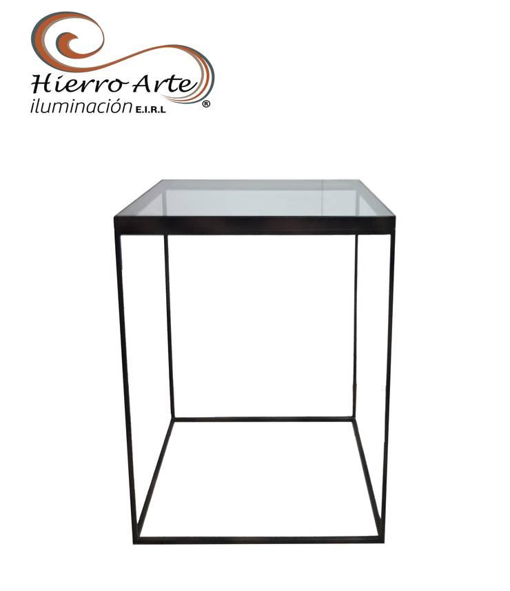 Mesa auxiliar cúbica rectangular ME0025 de 50*45*55 : Salas/Recibidores de estilo  por Hierro Arte Iluminación EIRL