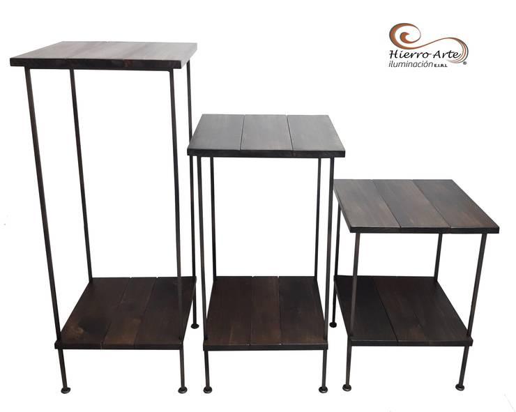 Juego de mesas cuadradas de 3 niveles ME0013, ME0014 y ME0015: Salas/Recibidores de estilo  por Hierro Arte Iluminación EIRL