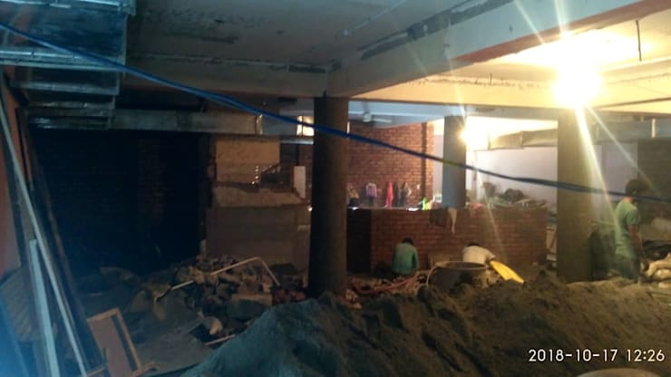 Restaurant interior Hauz Khas Village,Delhi:   by Katoch Infracity India Private Limited