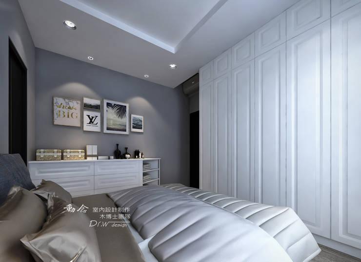 主臥,古典線板門片:  臥室 by 木博士團隊/動念室內設計制作