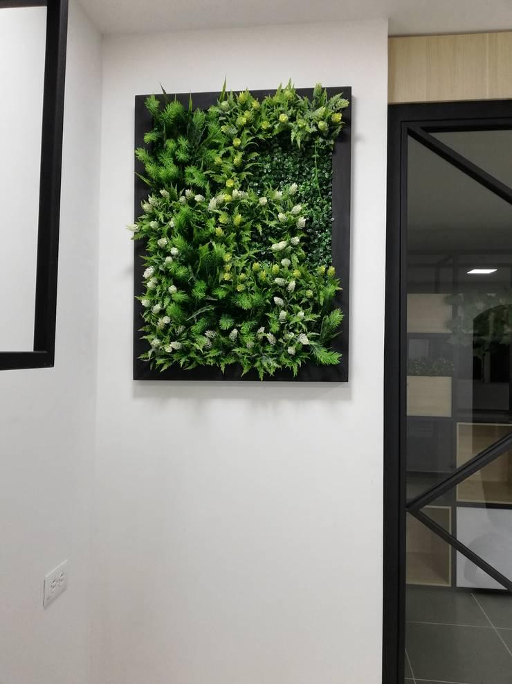 Cuadro verde: Estudios y despachos de estilo  por Decó ambientes a la medida