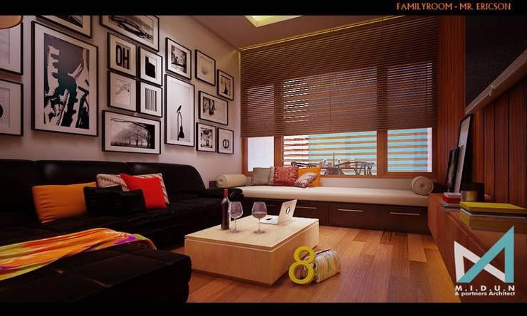 ER HOUSE:  Ruang Keluarga by midun and partners architect