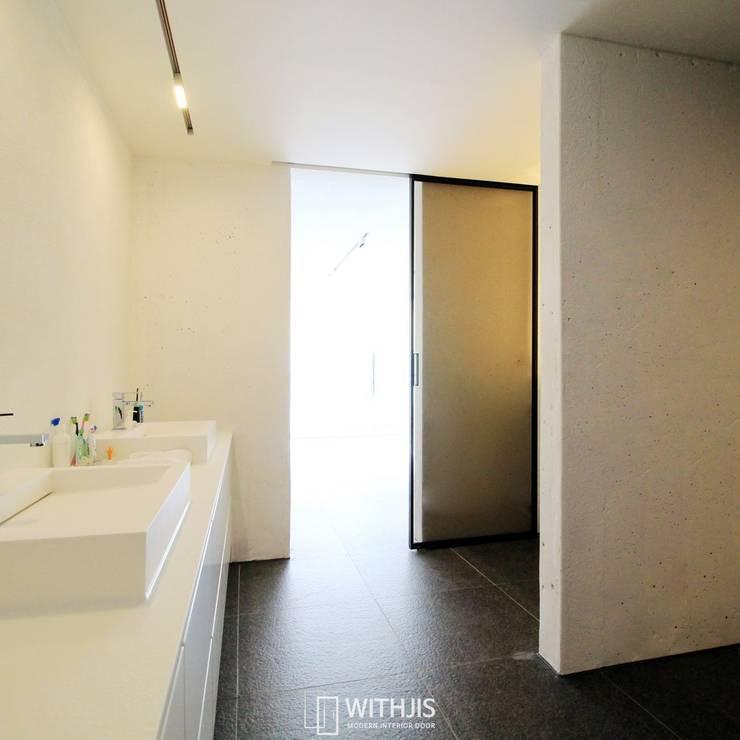 ALU-SD, 1SD(슬라이딩도어1, 상부구동형): WITHJIS(위드지스)의  욕실,