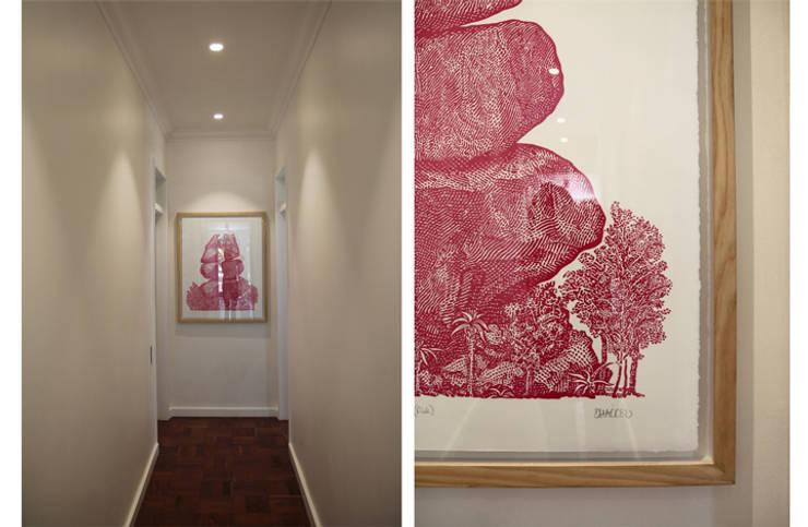 Westliffe, JHB:  Corridor & hallway by Metaphor Design