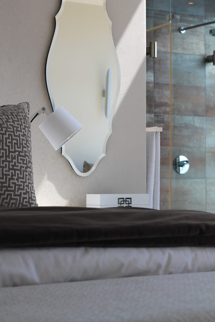 Sandton Home, JHB:  Bedroom by Metaphor Design