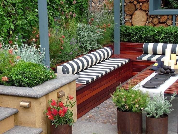Offices Decor : Jardín de estilo  por Koresma Miraty - Homify