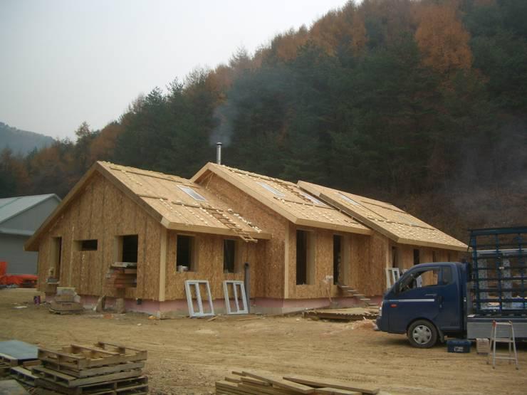 홍천 살둔리 주택(살둔에너지제로하우스): 주) 이에코의
