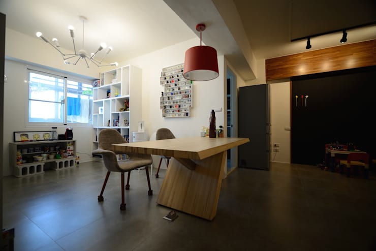 輕工業風活潑住家設計:  書房/辦公室 by 大觀創境空間設計事務所