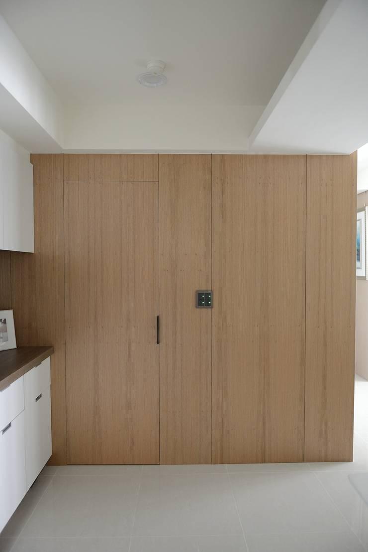 蘋果綠意北歐風:  浴室 by 大觀創境空間設計事務所