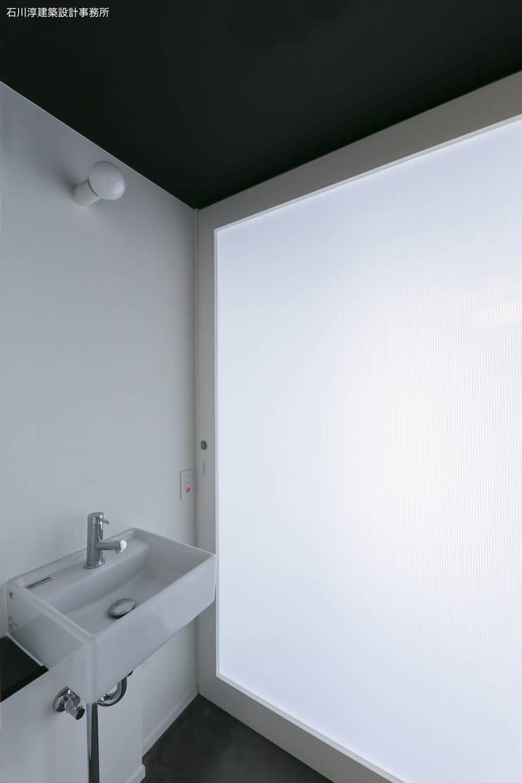 Koridor & Tangga Minimalis Oleh 石川淳建築設計事務所 Minimalis