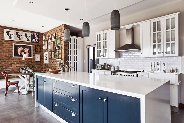 House BP:  Kitchen by KA.Architecture+Design