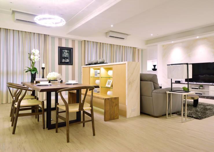美式風格居家空間:  餐廳 by 大觀創境空間設計事務所
