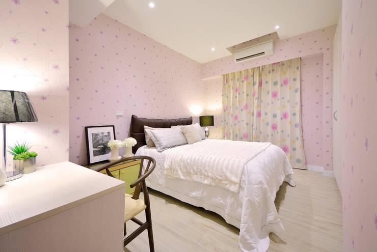美式風格居家空間:  臥室 by 大觀創境空間設計事務所