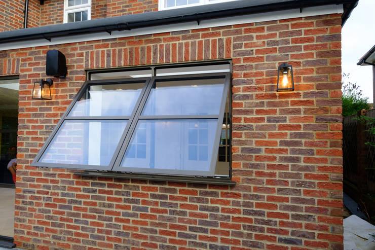 Sieger Legacy windows Modern windows & doors by IQ Glass UK Modern Aluminium/Zinc
