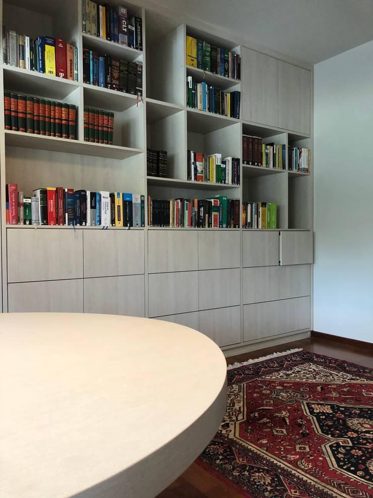Ruang Kerja oleh Lozí - Projeto e Obra, Klasik