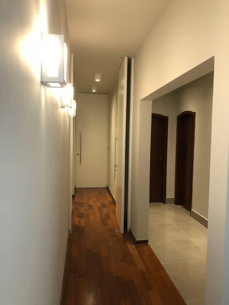 Koridor dan lorong oleh Lozí - Projeto e Obra, Klasik