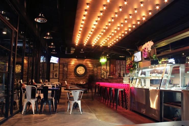 Ruang Utama :  Restoran by WARS ( W Architect Studio )
