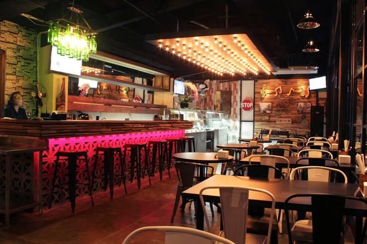 ROA Resto BSD:  Restoran by WARS ( W Architect Studio )
