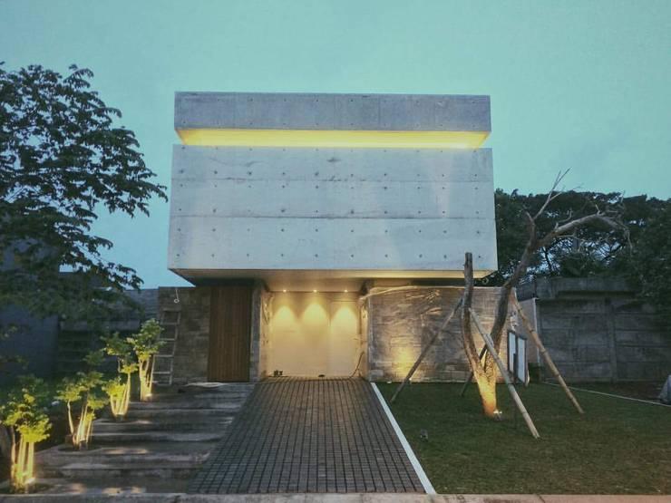 Rumah Alam Sutera :   by KHK Construction