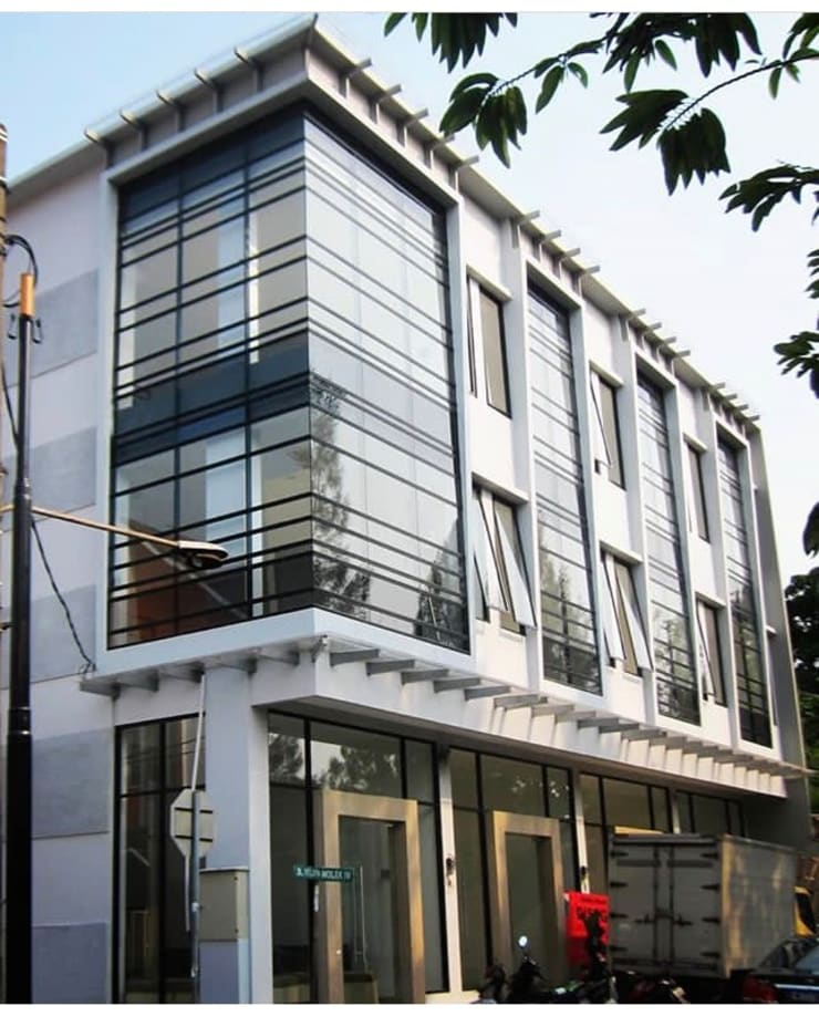 Ruko Kelapa Gading :  Kantor & toko by KHK Construction