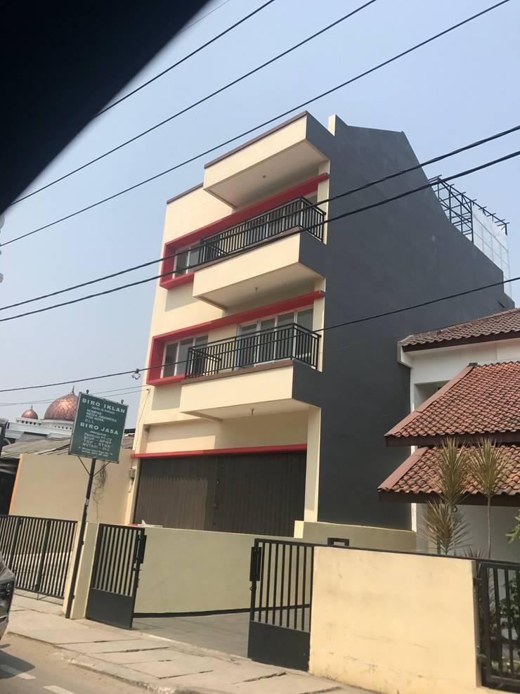 Ruko Meruya :  Kantor & toko by KHK Construction