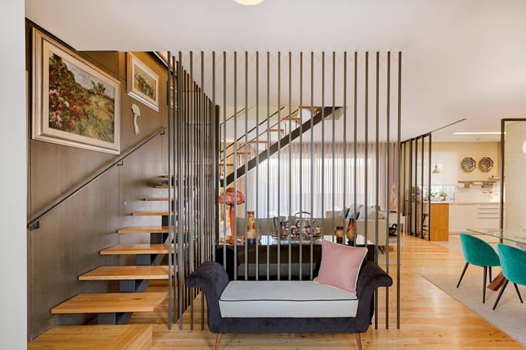 Flur & Diele von SHI Studio, Sheila Moura Azevedo Interior Design