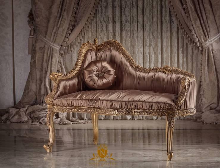 Love seat with silk fabric:  المنزل تنفيذ NADIA .Gallery