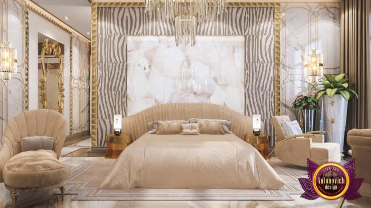 Neat and Stunning Bedroom Interior:   by Luxury Antonovich Design