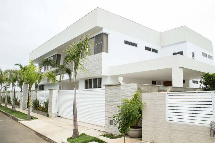 Casa gino, valle verde jamundi: Casas de estilo  por Am arquitectura