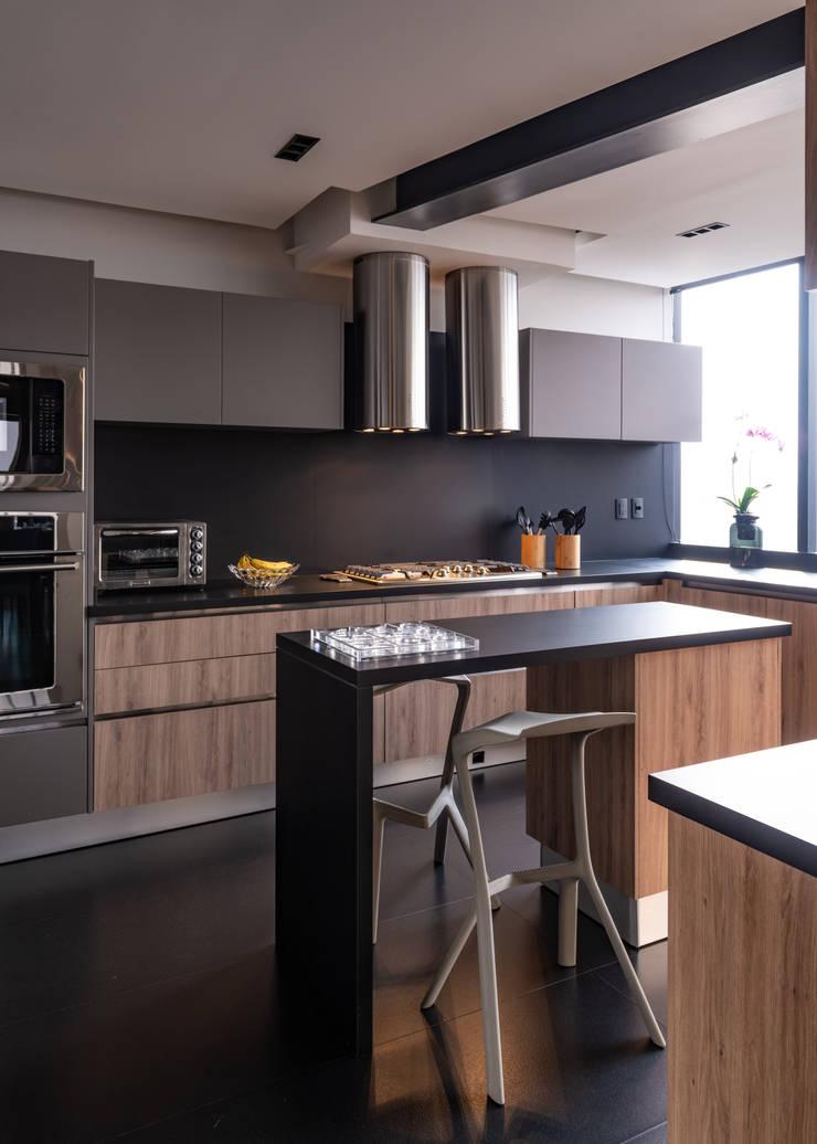 Cocinas de estilo  de Concepto Taller de Arquitectura