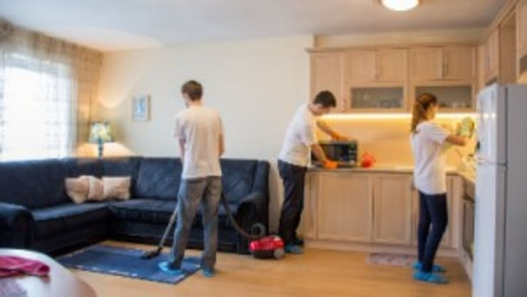 Move out cleaning:  Living room by Perfect Cleaners Atlanta