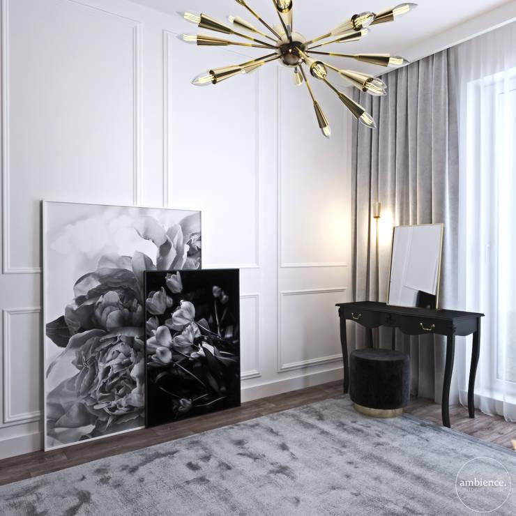 Chambre de style  par Ambience. Interior Design