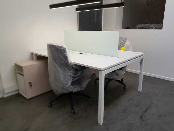 bench: Oficinas y tiendas de estilo  por SIMPLEMENTE AMBIENTE mobiliarios hogar y oficinas santiago