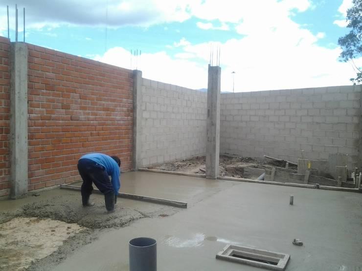 Ejecución del proyecto : Casas pequeñas de estilo  por ARDI Arquitectura y servicios