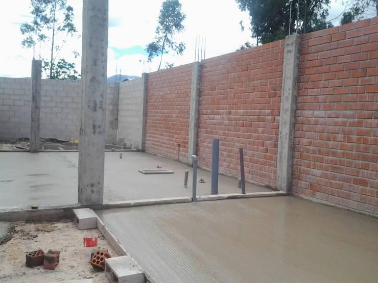 Ejecución del proyecto: Casas pequeñas de estilo  por ARDI Arquitectura y servicios