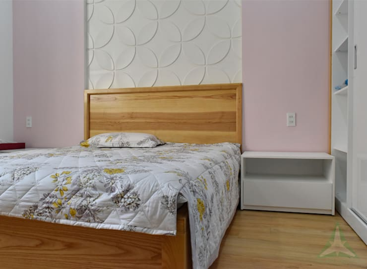 NHÀ PHỐ NGUYỄN VĂN CỪ:  Phòng ngủ nhỏ by VAN NAM FURNITURE & INTERIOR DECORATION CO., LTD.