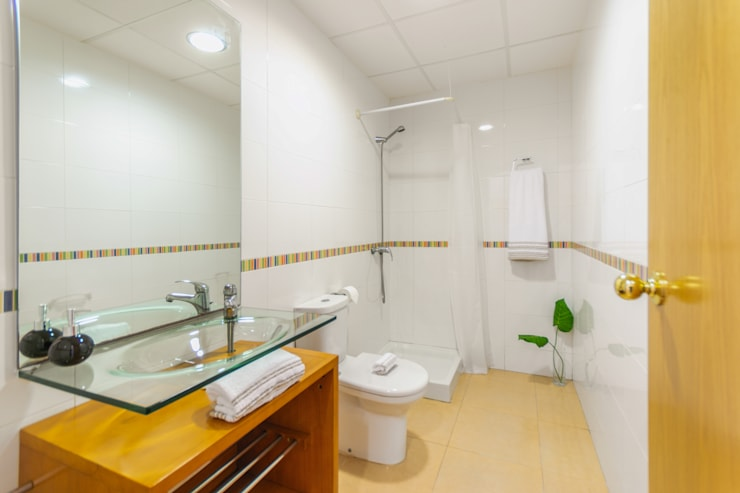 Phòng tắm theo Home Staging Tarragona - Deco Interior, Công nghiệp