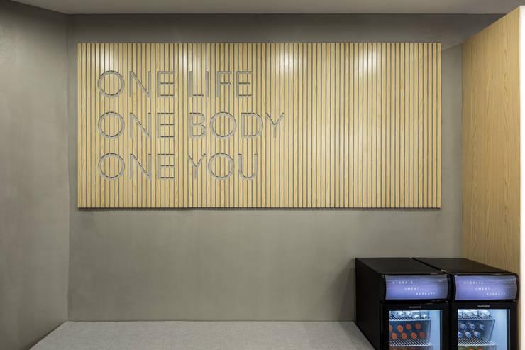 minimalist  by On Designlab.ltd, Minimalist