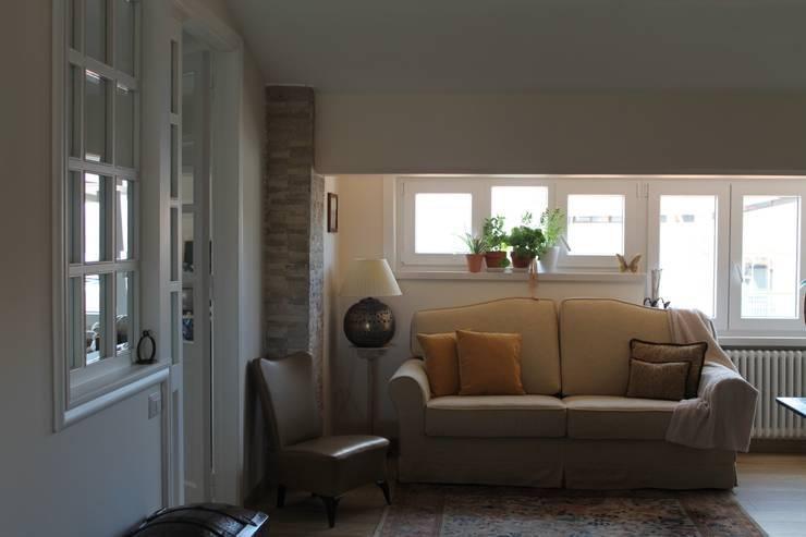 Rustieke woonkamers van Caleidoscopio Architettura & Design Rustiek & Brocante