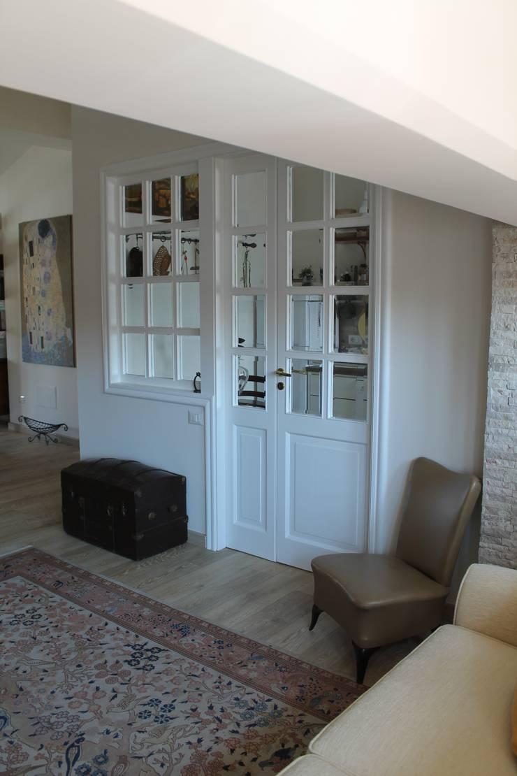 Klassieke woonkamers van Caleidoscopio Architettura & Design Klassiek