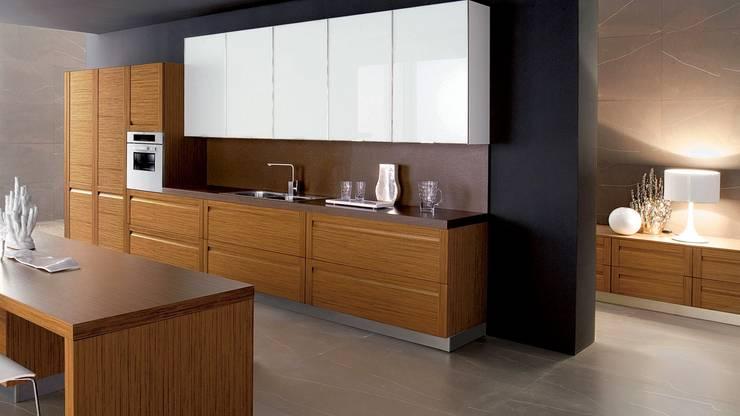 Estanterías únicas: Muebles de cocinas de estilo  por Corporación Siprisma S.A.C