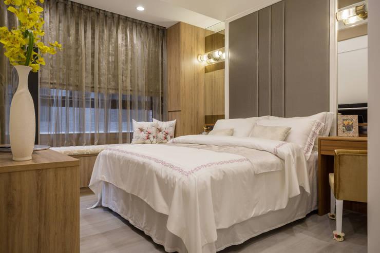 英倫雅致-上河園:  臥室 by 富亞室內裝修設計工程有限公司
