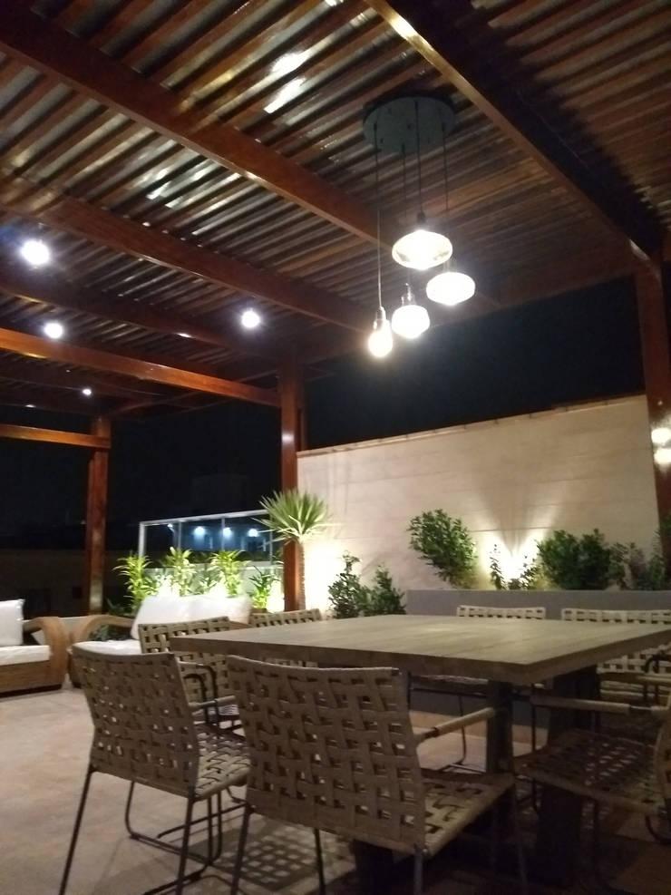 Terraza en azotea : Terrazas de estilo  por Oniria Arquitectura