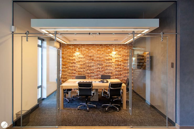office design:  Office buildings by DMV INTERIOR DESIGN, Modern Bricks