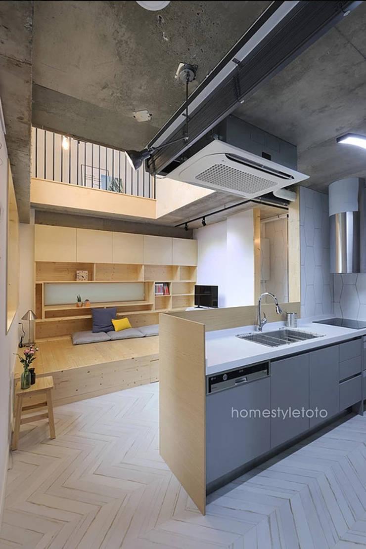손님접촉공간: 주택설계전문 디자인그룹 홈스타일토토의  주방