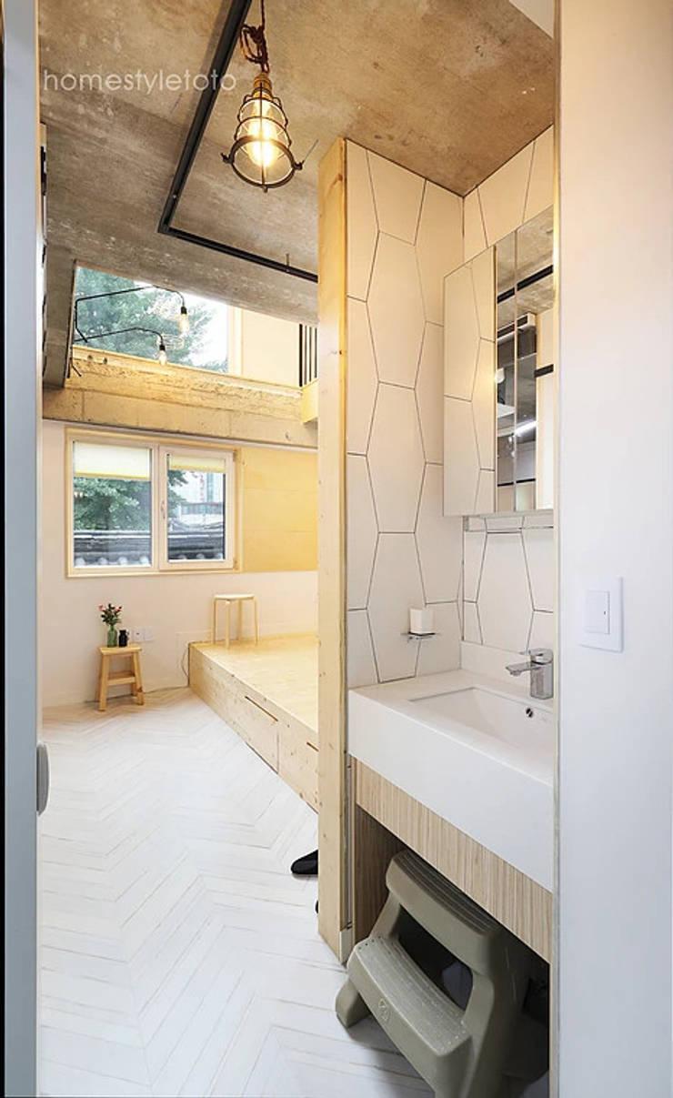 노출형식 건식세면대: 주택설계전문 디자인그룹 홈스타일토토의  욕실